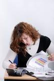 henne fungerande barn för kontorskvinna Fotografering för Bildbyråer