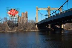 Hennepin-Alleen-Brücke in Minneapolis Stockbild