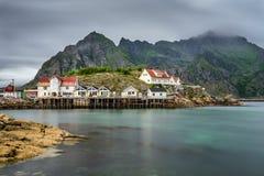 Henningsvaer, village de pêche dans l'archipel de Lofoten, Norwa Image libre de droits