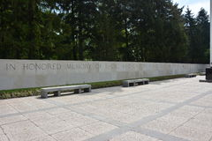 HENRI-CHAPELLE, БЕЛЬГИЯ - МАЙ 2016 Воинские кладбище и мемориал Стоковая Фотография RF