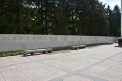 HENRI-CHAPELLE, BELGIEN - MAI 2016 Militärfriedhof und Denkmal Lizenzfreie Stockfotografie