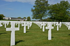 HENRI-CHAPELLE BELGIEN - MAJ 2016 Militär kyrkogård och minnesmärke Royaltyfri Foto