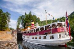 Henrik Ibsen wchodzić do Eidsfoss kędziorek przy Telemark Kanałowy Telemark Nor obraz royalty free
