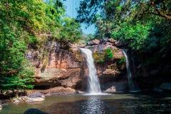 Heo Suwat Waterfall no parque nacional de Khao Yai Fotos de Stock Royalty Free