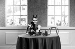 Hepburn de Audrey, estatua famosa de la actriz de hollywood en los tussauds de la señora en Hong-Kong foto de archivo libre de regalías