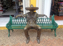 Herói nacional revolucionário da escultura urbana Imagem de Stock