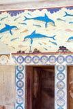 HERAKLION GRECJA, SIERPIEŃ, - 3, 2012: Sławny fresk delfin zdjęcia stock