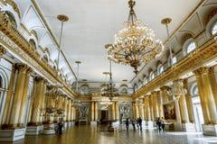 Heraldisk korridor i eremitboningmuseet i St Petersburg Ryssland Arkivbilder