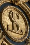 Heraldiska motiv på ytterdörr till Les Invalides paris Arkivbilder