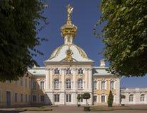 Heraldiskt hus med hövdad örn tre av den storslagna slotten Arkivfoton