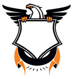Heraldyczny Eagle z osłoną i faborkiem ilustracja wektor