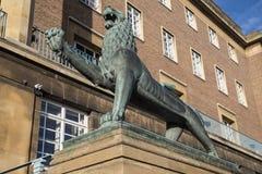 Heraldyczny lew przy Noriwch urzędem miasta Fotografia Royalty Free