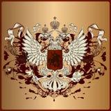 Heraldyczny orzeł z opancerzeniem, sztandarem, koroną i faborkami w królewski vi, Fotografia Royalty Free