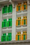 Herança Windows colorido em Singapura fotos de stock