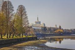 Herastrau公园和出版自由议院 库存图片