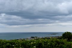 Heraus schauen über dem Irischen See Stockfotografie