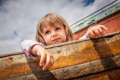 Heraus schauen von einem Boot Stockfotografie