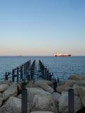 Heraus schauen zum Meer von der Anlegestelle Stockfoto