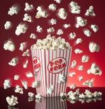 Herausspringender Popcorn-Kasten Stockbild