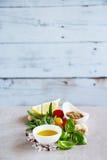 herb czosnków bay kardamonowi liści pieprzowe spice waniliowe rosemary soli Fotografia Stock