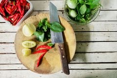 Herb Ingredient sulla cottura dello scrittorio, cucina tailandese Fotografia Stock Libera da Diritti