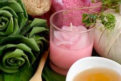 Herb Mask fresco cremoso - Pandanus del abrigo Palma, Ivy Gourd y miel, balneario con los ingredientes naturales de Tailandia Imagen de archivo libre de regalías