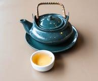 Herbaciana i herbaciana filiżanka Obraz Royalty Free