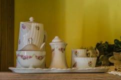 Herbaciana usługa w starym domu zdjęcie royalty free