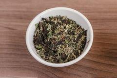 Herbaciani liście przygotowywają dla kucharstwa Fotografia Royalty Free