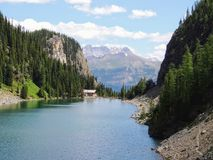 Herbaciany dom Przegląda wycieczkować wokoło Jeziornego Agnes blisko do Lakeview śladu, równina sześć lodowów, Jeziorny Agnes, Lu Zdjęcie Stock