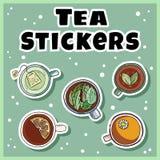 Herbaciany majcheru set Filiżanki zielona i ziołowa herbata przylepiają etykietkę kolekcję Ręki rysować kreskówka stylu śliczne f royalty ilustracja