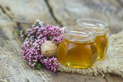 Herbal honey with heather flowers Royalty Free Stock Photography