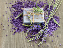 Herbal lavender soap with fresh flowers Royalty Free Stock Photos