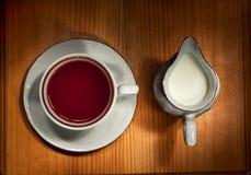 Herbata i mleko Zdjęcia Stock