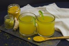 Herbata Z Świeżymi Organicznie cytrynami, pomarańczami i imbirem, obrazy royalty free