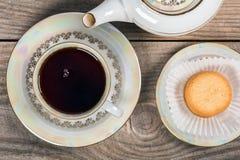 Herbata z Duńskimi maseł ciastkami obrazy royalty free
