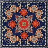 Herbaty pudełko pakuje projekt Unikalny kwadratowy dywan w hindusa stylu z czerwień kwiatami i Paisley wzorem Bandana druk royalty ilustracja