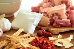 Herbe avec du porc Photo stock
