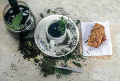 herbe gastronome saine moulue verte sèche de fond de boisson de noir de cuvette de cérémonie de plan rapproché de boissons chinoi Photo libre de droits