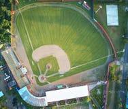 Herbe verte sur le terrain de base-ball Images stock
