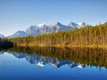 Herbert jezioro, Banff Np, Alberta, Kanada obraz stock