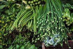 Herbes asiatiques au marché Photos stock