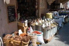 Herbes au marché de carmel à Tel Aviv photo stock