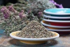 Herbes de Провансаль, смесь высушенных рассматриваемых трав типичными области Провансали, смесей часто содержит смачное, майоран, стоковое фото