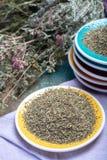 Herbes de Провансаль, смесь высушенных трав учитывало типичный  стоковые фото