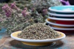 Herbes de Провансаль, смесь высушенных трав учитывало типичный  стоковое изображение rf