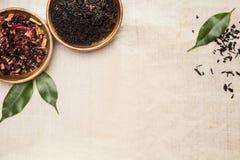Herbes, usines et feuilles, utilisées dans la médecine chinoise Images stock