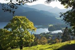 Herbst-Ansicht über See Schilersee stockfotografie