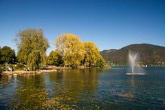 Herbst auf den Banken des Tegernsee Stockbild
