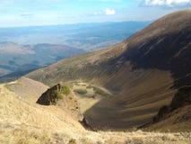 Herbst in den Bergen (Reihe Svidovets in den ukrainischen Karpatenbergen) Lizenzfreies Stockfoto